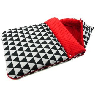 Śpiwór do wózka 'Czarne trójkąty' czerwony
